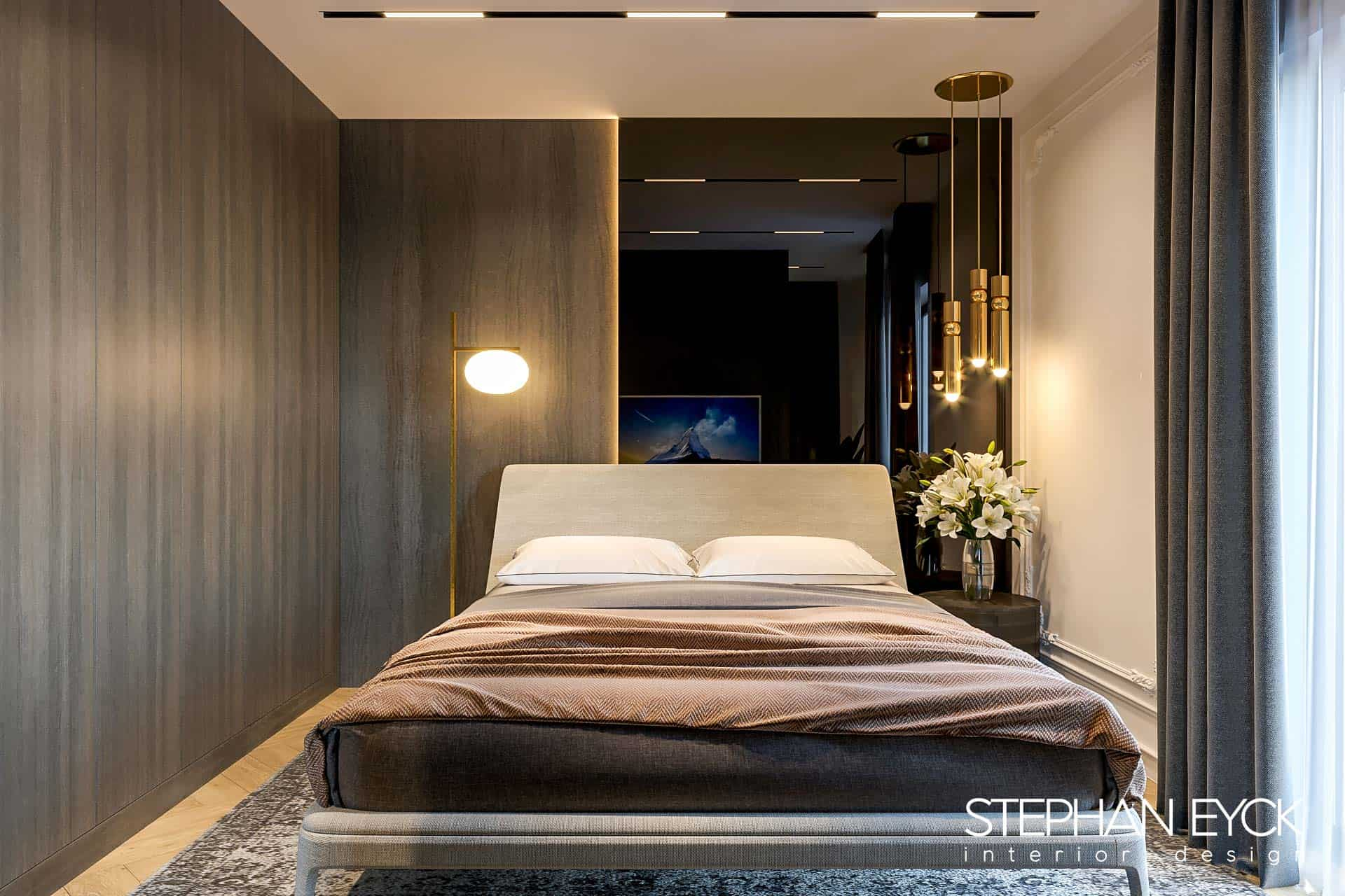 design dormitor cu placare sticla neagra